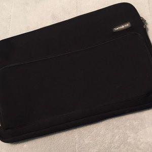Samsonite Padded Laptop Sleeve w/Front Pocket